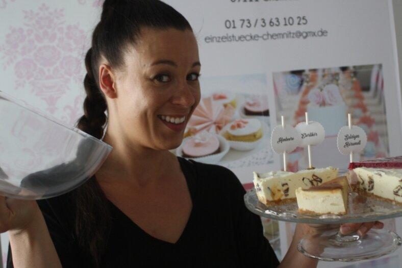 Janette Graf bereitete 16 Käsekuchen zu und feierte auf dem Brühl eine Tortenparty.