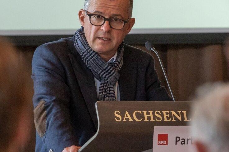 Andreas Weigel, hier bei einem früheren Kreisparteitag in der Glauchauer Sachsenlandhalle, war seit 1998 Kreischef der SPD.