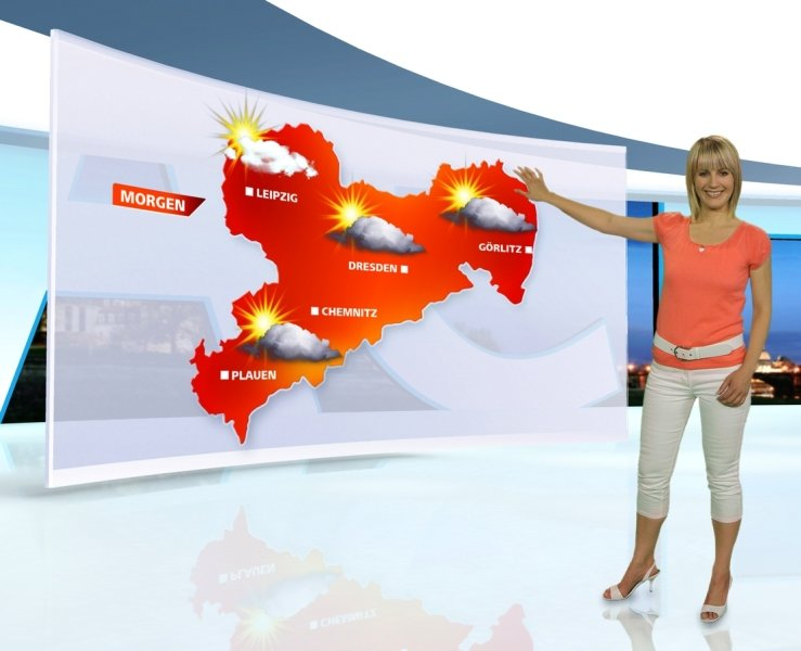 """<p class=""""artikelinhalt"""">Man könnte meinen, dass sich Zwickau hinter der Wolke zwischen Chemnitz und Plauen versteckt, aber selbst bei reinem Sonnenschein wäre der Stadtname nicht zu lesen. Susanne Langhans (Foto) wird ab Montag wieder das Wetter im """"Sachsenspiegel"""" moderieren. Diese Woche steht Stephanie Meißner vor der Karte.</p>"""