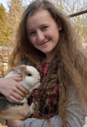 """Kristin Liebscht aus Schlettau ist Gewinnerin des Hauptpreises des Literaturwettbewerbs """"Trau Dich""""."""
