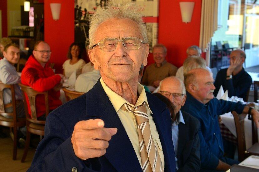 Manfred Kunze vom SV Motor Hainichen hat am Wochenende seinen 90. Geburtstag gefeiert. Im Schach und in der Leichtathletik hat der Seniorensportler immer noch Ziele.