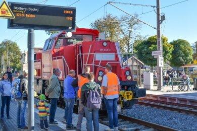 Während des Bahnhoffestes in Stollberg konnten die Besucher verschiedene Loks unter die Lupe nehmen. Dazu zählten drei Lokomotiven der Deutschen Bahn Cargo und eine der Deutschen Bahn Regio.