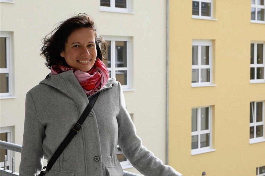 Die Leiterin des neuen Pflegeheimes Lysann Kirmes-Schulze stammt aus der Freiberger Region, ist studierte Gesundheitsökonomin und kehrte kürzlich aus Nordrhein-Westfalen in die Region zurück.