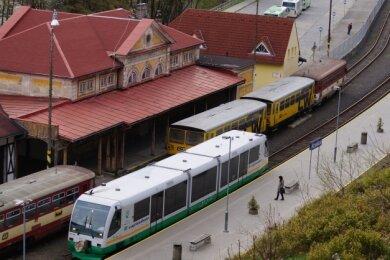 Der Bahnhof der Klingenthaler Partnerstadt Graslitz/Kraslice (Foto) ist seit 20 Jahren Station im grenzüberschreitenden Verkehrssystem Egronet zwischen Sachsen, Thüringen, Westböhmen und Bayern.
