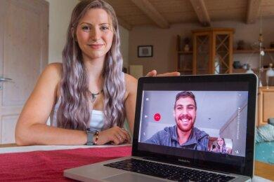 Für Jessica Hertel aus Dittersdorf und Juandré Naudé aus Südafrika ist das Internet derzeit die einzige Möglichkeit, sich zu sehen.