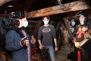 Hinter der Kamera steht für die Produktion Oliver Kaufmann (l.). Zum Produktionsteam gehört auch sein Sohn Alexander Kaufmann (Mitte). Die Hauptrolle spielt Gerd Schlott.