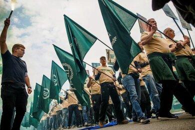 2019 in Plauen hatten Teilnehmer der Demonstration des Dritten Wegs bundesweit für Entsetzen gesorgt. Foto: Carsten Koall/Getty Images