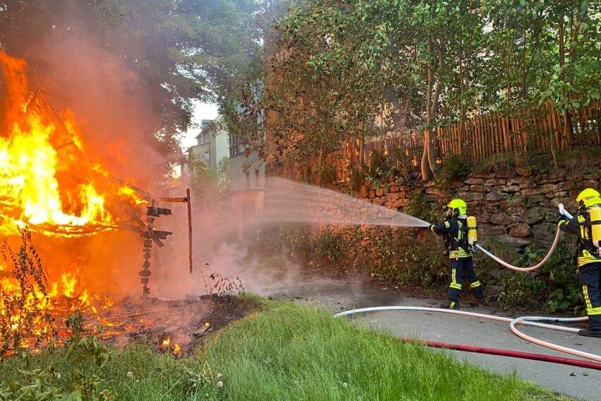Schuppen in Buchholz brennt nieder