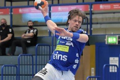 Aues Kevin Lux zeigte gegen Hüttenberg eine starke Abwehrleistung und belohnte sich in der 58. Minute mit dem Tor zum 24:18.