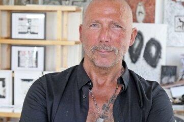 Tino Helbig darf sein Atelier nun auch für Besucher öffnen.