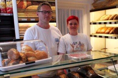 Christian und Susann Fahsel in der kleinen Familienbäckerei an der Lauterer Straße in Bockau.