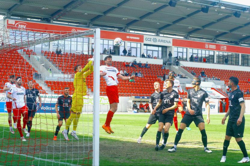Zwei Eckballgegentore: FSV Zwickau verliert Heimspiel gegen Viktoria Köln