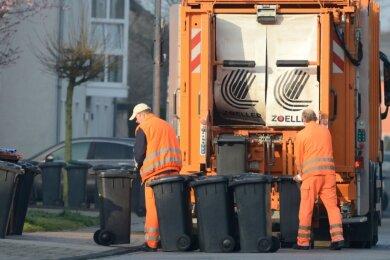 Der Restmüll der Chemnitzer Haushalte wird vom ASR eingesammelt und zur Aufbereitung in eine große Anlage an den Weißen Weg gebracht. Die Kosten dafür sind Teil der Müllgebühr.