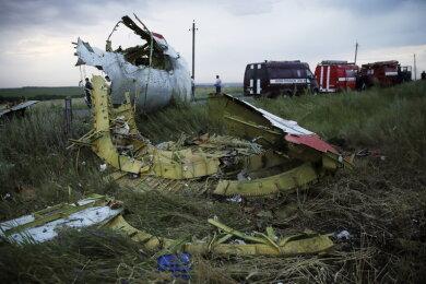 Trümmerteile der MH 017.