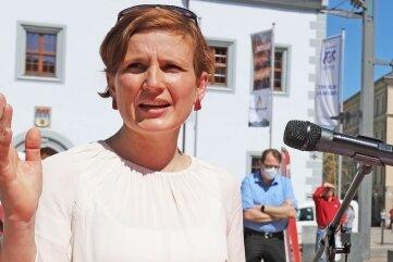Linken-Bundestagsabgeordnete Katja Kipping beim Auftakt der Gerechtigkeitstour ihrer Partei in Freiberg.
