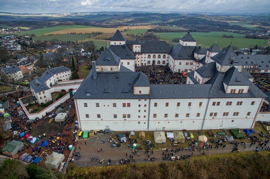 Wintertreffen der Motorradfahrer: Tausende pilgern nach Augustusburg