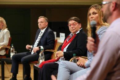 Kathrin Köhler, Andreas Gerold, Ute Brückner, Constance Arndt und Michael Jakob (von links): Das Kandidaten-Quintett debattierte mehr als drei Stunden über Gestaltungsmöglichkeiten.