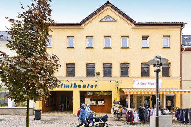 Wohn- und Geschäftshaus mit Kinosaal in Falkenstein / Mindestgebot 125.000 Euro