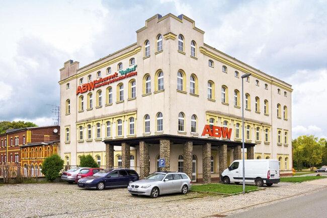 Gewerbeobjekt mit Büro- und Lagerfläche in Falkenstein / Mindestgebot 125.000 Euro