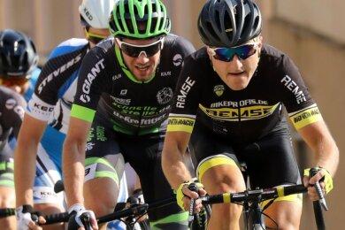 Sebastian Vogel (rechts) beim Sachsenring-Radrennen 2019 auf dem Stadtkurs. Am Sonntag zählt es auf dem Sachsenring.