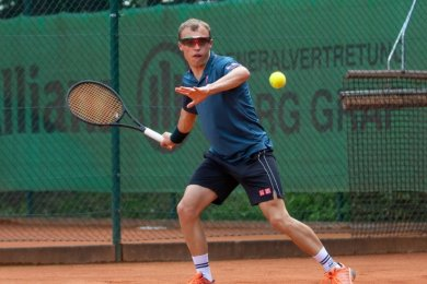 Tony Peter holte den einzigen Punkt für die Bezirksliga-Tennisspieler aus Oberlungwitz im Duell mit Frankenberg.