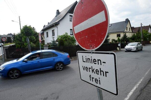 Seit 2017 darf die Walter-Klippel-Straße nur in eine Richtung befahren werden, weil sie zu eng ist. Nun wird sie ausgebaut.