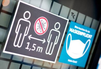 In Chemnitz bewegt sich die sogenannte Sieben-Tage-Inzidenz laut Robert-Koch-Institut weiterhin knapp über der 50er-Marke.