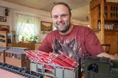 Tim Zitzkat lädt am 8. und 9. August zum Kugelschreiberfest ins Landhaus.