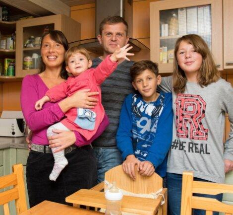 Nachdem Mutter Cornelia Seidel erblindet ist, musste die Familie aus Milkau ihren Alltag völlig neu organisieren. Vor allem Vater Dandy Seidel hat nun viele Aufgaben, in die sich das Paar früher reingeteilt hat.