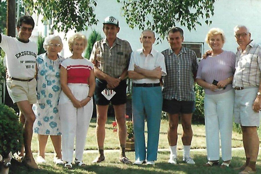 Erinnerungsfoto der Vereinigung der Erzgebirger in Pennsylvania. Im Bild ist der einstige Mitbegründer des Clubs, Erich Haase (Mitte), zu sehen.
