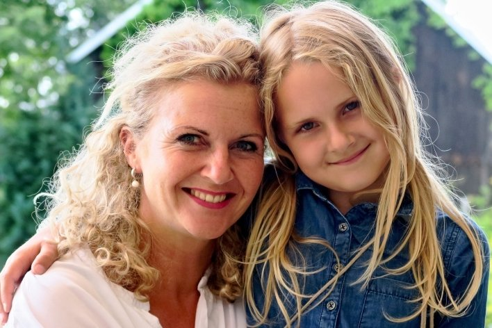Silke Fischer mit ihrer Tochter Maria.