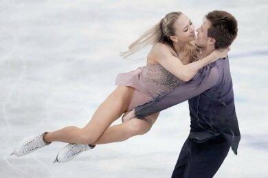 Die Eistanz-Weltmeister Viktoria Sinizina und Nikita Kazalapow triumphierten auch bei der World Team Trophy in Osaka.