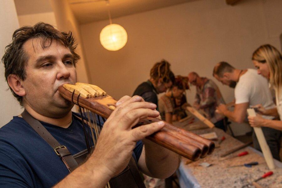Märchenhafte Flötenmusik auf Rochsburg