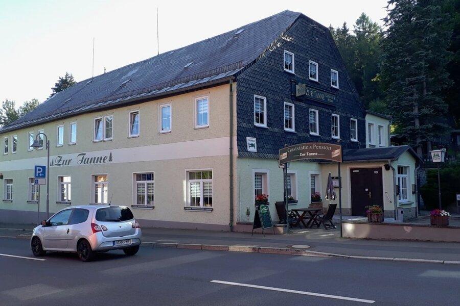 """Der traditionsreiche Gasthof """"Zur Tanne"""" in Tannenbergsthal."""