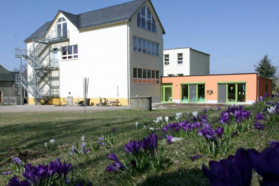 In der Grundschule in Hartmannsdorf (Archivbild) wurden drei Kinder positiv auf das Coronavirus getestet.