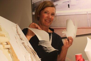 Kathi Halama lädt zu einem besonderen Papierworkshop ein.