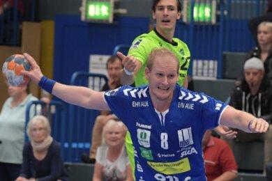 Selten zu bremsen und gewohnt treffsicher: Aues Bengt Bornhorn erzielte zum Saisonauftakt vor heimischer Kulisse mit neun Toren die meisten Treffer und hatte großen Anteil am Erfolg des EHV gegen Rimpar.