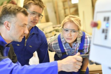 Mehr als 700 Ausbildungsplätze im Verantwortungsbereich der Agentur für Arbeit Annaberg-Buchholz sind derzeit noch unbesetzt - unter anderem in der Metall- und auch in der Logistikbranche.