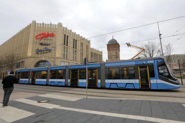 Neue Skoda-Straßenbahnen gehen in Linienbetrieb