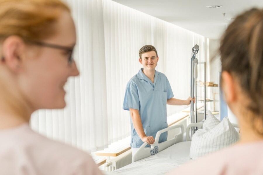 Azubis, die im Kreiskrankenhaus Freiberg arbeiten. Dort war die Resonanz auf die Woche der offenen Unternehmen entgegen dem Trend sehr gut.