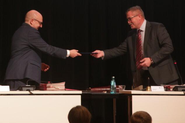OB-Wahl-Sieger Sven Schulze führt Chemnitz vorerst als Amtsverweser
