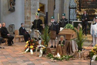 Im Freiberger Dom wurde am Mittwoch ein Trauergottesdienst für den verstorbenen Oberbürgermeister a. D. Konrad Heinze gefeiert.