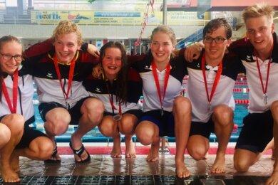 Das erfolgreiche Schwimmteam des SSV Freiberg bei den United World Games in Klagenfurt 2019. In diesem Jahr fällt der Saisonhöhepunkt für Laura Wilsdorf, Mileen Schmieder, Peter Weigelt, Judith Jaenicke-Rößler, Bente Peuker, Ilja Sukhanov, Alexander Grösel und Alexander Trommer (v. l.) aus - ebenso wie der Schwimmcup im dänischen Esbjerg.