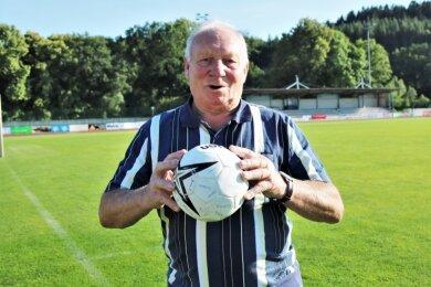 Jürgen Schlegel vom VfB Flöha hat in diesem Jahr seinen 80. Geburtstag gefeiert. Ohne den Handball kann er nicht leben.
