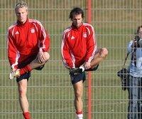 Mehmet Scholl (r.), hier mit Ex-Kollege Christian Lell, widmet sich nun dem Bayern-Nachwuchs