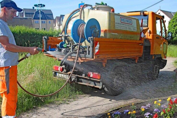 1700 Liter Wasser für Blumen