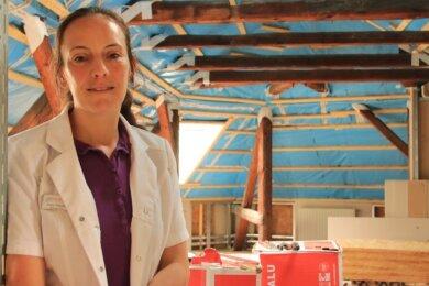 Apothekerin Doreen Feustel im künftigen Seminarraum. Am neuen Standort laufen bereits die Umbauarbeiten. Die Neueröffnung ist für kommendes Jahr geplant.