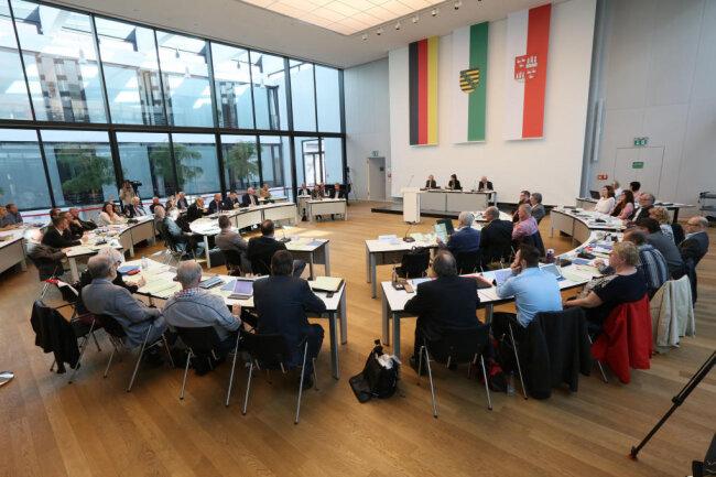 Eine Sitzung des alten Stadtrates in Zwickau. Der neue Stadtrat kommt am 22. August zu seiner konstituierenden Sitzung zusammen.