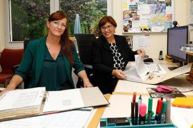 Stefanie Ernst (links) übernimmt den Posten der langjährigen Chefin Romy Dahlberg.