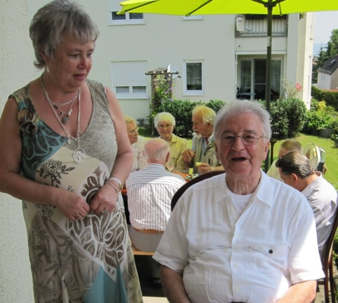 """<p class=""""artikelinhalt"""">Der Werkzeugmaschinen-Experte und Konstrukteur Werner Bahmann feierte am Freitag seinen 80. Geburtstag. Dazu fuhr Oberbürgermeisterin Eva-Maria Möbius (CDU) zu ihm nach Pesterwitz bei Freital. </p>"""